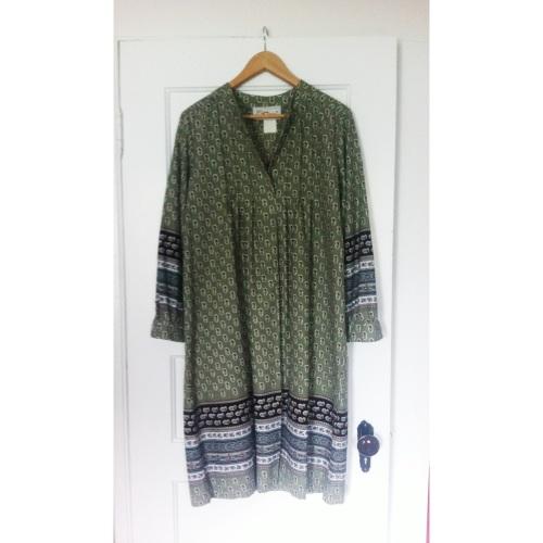 Vintage dress // $3.99